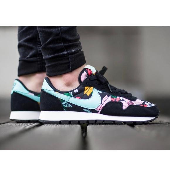new arrival 907b1 79a1e Nike Air Pegasus  83 Floral Print Sneakers Shoes. M 5b539614477368f0b6157685